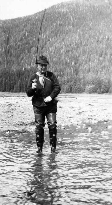 """Ted Kettleson in Action."" Courtesy of the Alaska State Library, Portrait File Collection, ASL-Kettleson-Theodor-C-1."